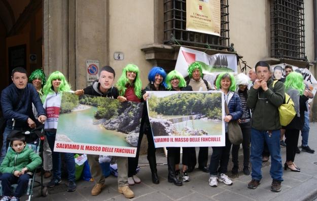 Renzi e Rossi contestati sulla geotermia a Firenze